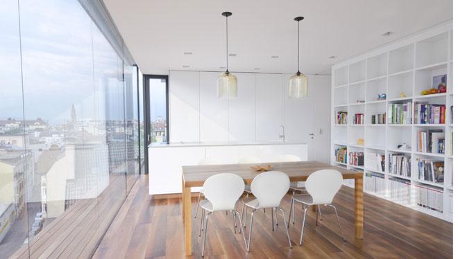 Pavimento radiante Zeromax e soffitto radiante Leonardo gestiti da regolazione intelligente Smartcomfort