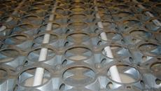 Dettaglio della gabbia metallica che costituisce il pavimento radiante euromax