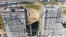 Vista delle torri del Villaggio Expo di Cascina Merlata durante la costruzione