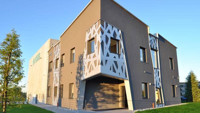 Nuova sede per l 39 accademia dell 39 efficienza eurotherm spa for Stufa radiante a risparmio energetico