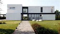 Pavimento radiante abbinato a ventilazione meccanica per villa privata di esclusivo design